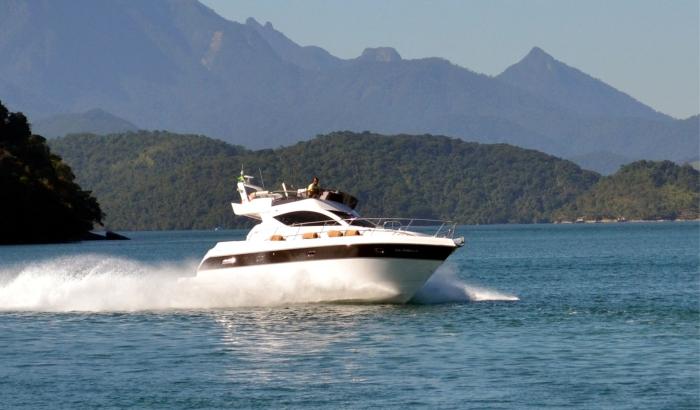 Maxima Yachts 380 (Fly / Power Boat)