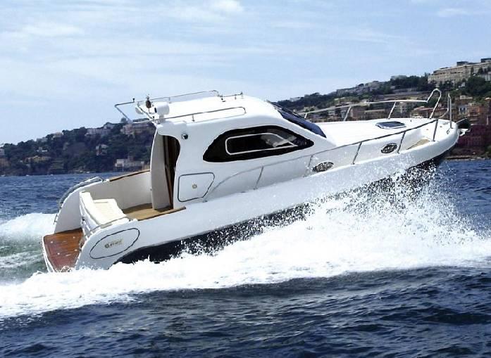 Mimi Cabin 780 (Power Boat)