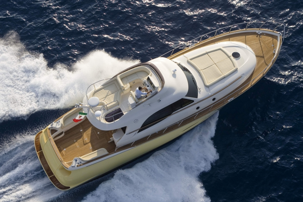 Mochi Craft 54 Dolphin Fly (Fly / Motor Yacht)