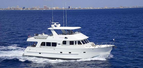 Outer Reef 65 (Fly / Motor Yacht)