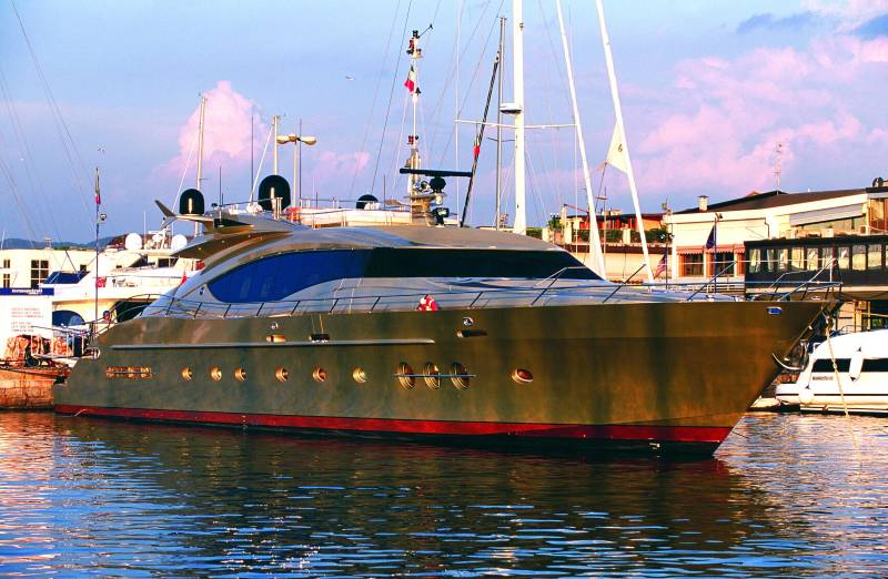 Palmer Johnson PJ 120 <strong>DB9 -ex Khalila</strong> (Motor Yacht)