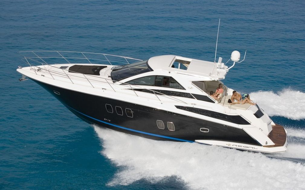 Regal Boats 5260 Commodore Express (Motor Yacht)