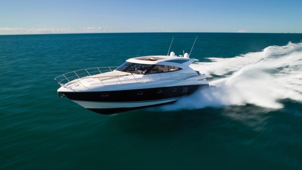 Riviera 5800 SY (Motor Yacht)