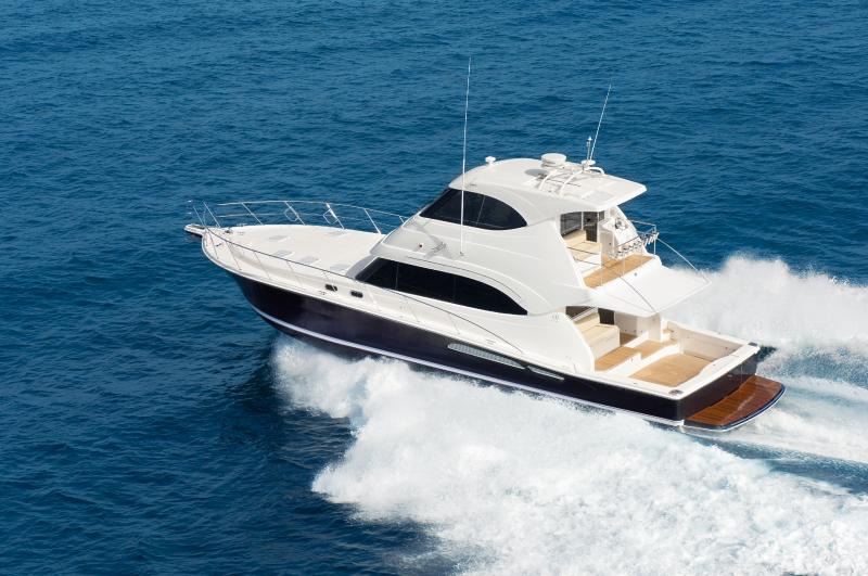 Riviera 61 Enclosed (Motor Yacht / Pêche)