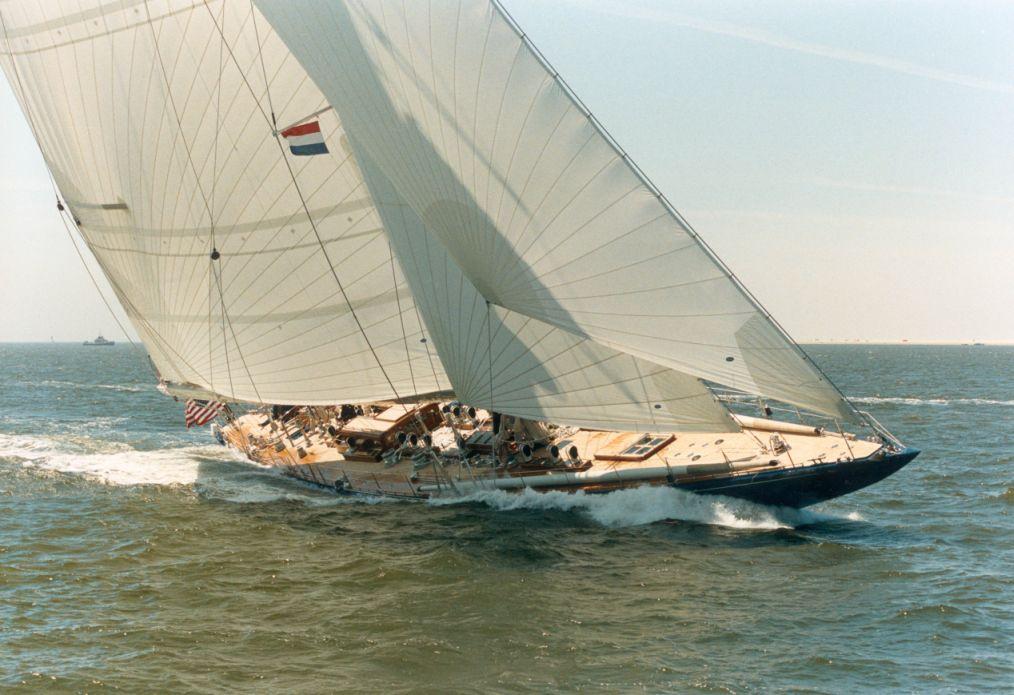 Royal Huisman <strong>Endeavour</strong> (Sailing Yacht)