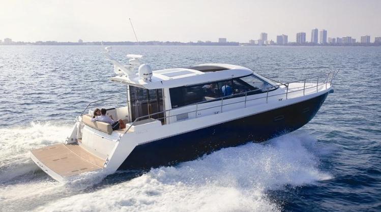 Sealine C48 (Motor Yacht)