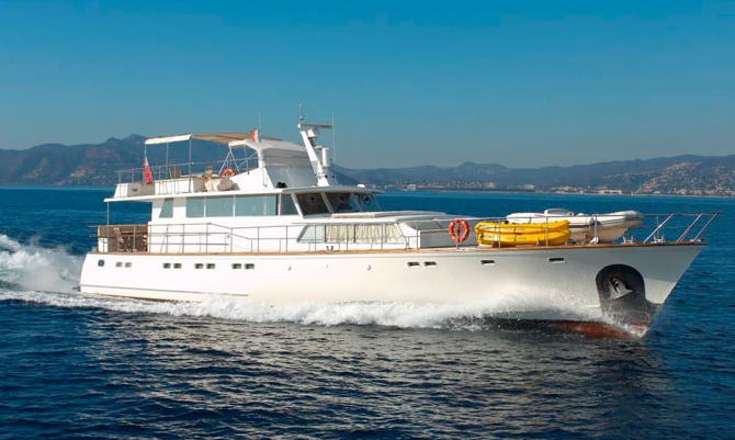 Esterel - Cystem <strong>Two like one</strong> (Motor Yacht)